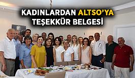 Kadınlardan ALTSO'ya teşekkür belgesi