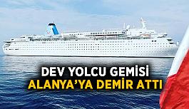 Dev yolcu gemisi Alanya'ya demir attı