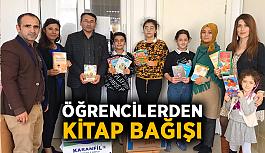 Öğrencilerden kitap bağışı