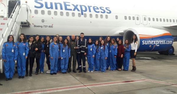 THK dan 20 üniversite öğrencisine uçak gezisi