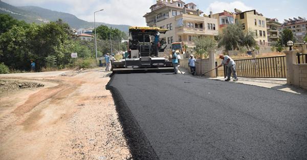 Ticaret lisesi yoluda asfaltlandı