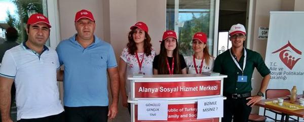 Üniversitede 'Sosyal Hizmet' standı açıldı