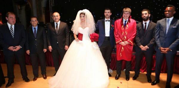 Ünlüler bu düğünde buluştu