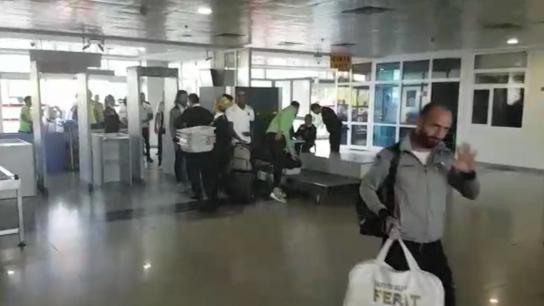 Alanyaspor havalimanına alkışlarla geldi