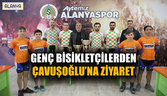 Genç bisikletçilerden Çavuşoğlu'na ziyaret