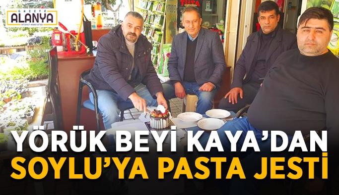 Yörük beyi Kaya'dan Soylu'ya pasta jesti