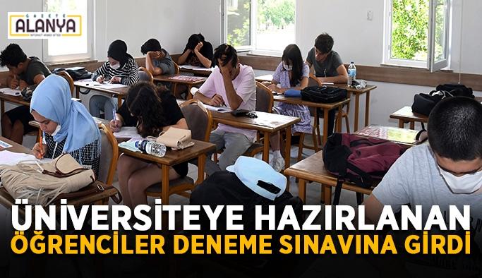 Üniversiteye hazırlanan öğrenciler deneme sınavına girdi