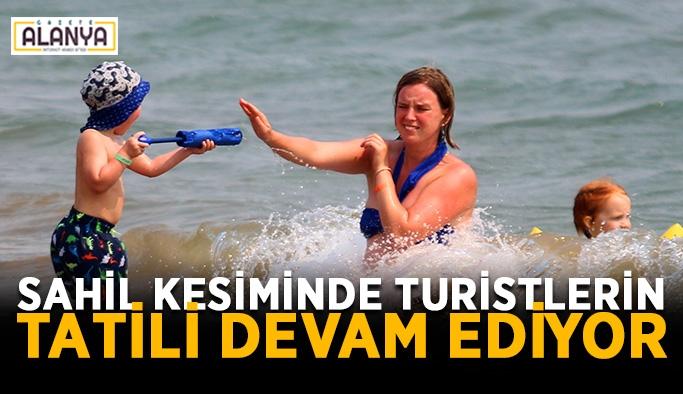 Sahil kesiminde turistlerin tatili devam ediyor