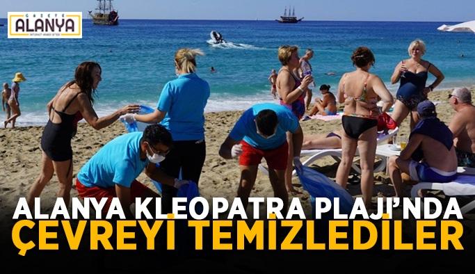 Alanya Kleopatra Plajı'nda çevreyi temizlediler