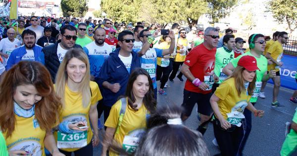 Belediye çalışanları kanserli çocuklar için koştu