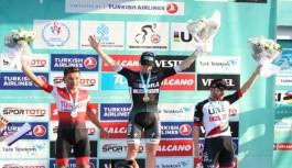 Turun beşinci etabını Bennett kazandı