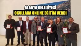 Alanya Belediyesi okullara online eğitim verdi