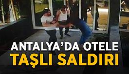 """Antalya'da bir otele taşlı saldırı: """"Yine geleceğiz"""""""