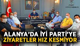 İYİ Parti'ye ziyaretler hız kesmiyor