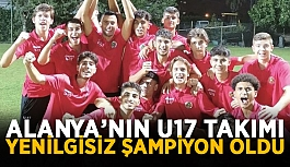 Alanya'nın U17 takımı yenilgisiz şampiyon oldu
