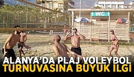 Alanya'da plaj voleybol turnuvasına büyük ilgi